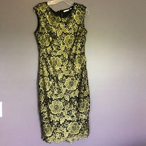 Gold flower sleeveless dress